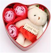 Коробка сердце с мишкой и мыльными розами